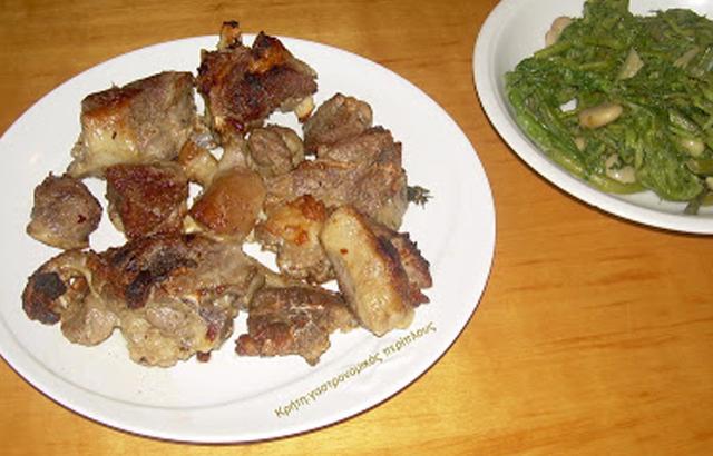 Αρνάκι ή κατσικάκι στο τηγάνι και ξιδόχορτα