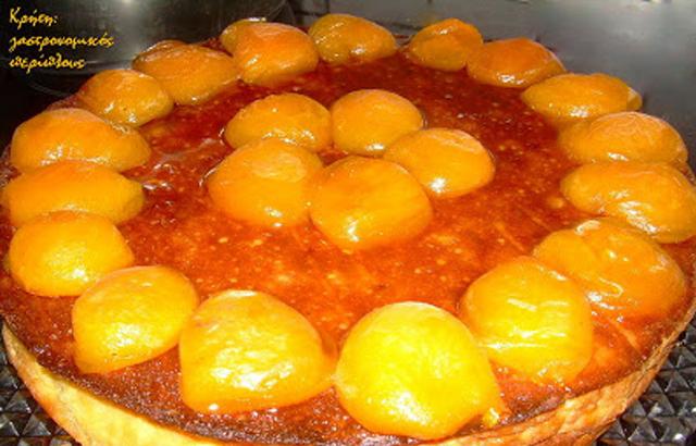 Κέικ μυζήθρας με μαρμελάδα και κομπόστα βερίκοκο