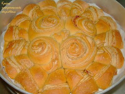 """Γλυκό νηστίσιμο ψωμί με ταχίνι και """"fusion"""" επιρροές"""