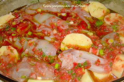 Καλαμαράκια γεμιστά στον φούρνο με πατάτες