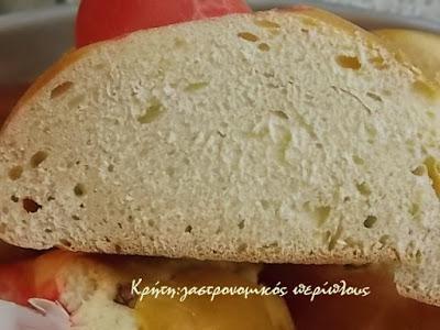 Γαλατερά και αυγοκούλουρα: τα πασχαλινά ψωμιά της Κρήτης