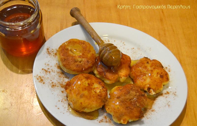 Πανεύκολα μυζηθροπιτάκια τηγανιού χωρίς φύλλο (VIDEO)