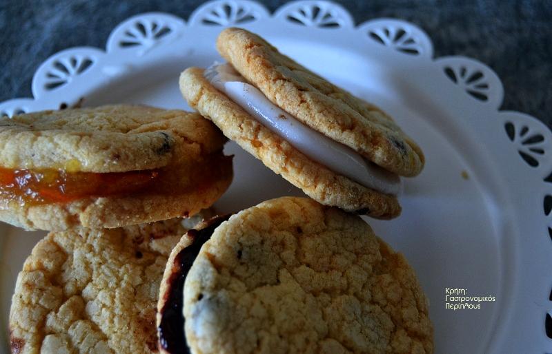 Μπισκότα βουτύρου με σταγόνες σοκολάτας
