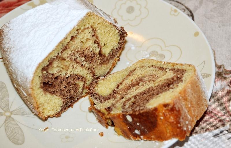 Δίχρωμο κέικ πορτοκαλιού με ελαιόλαδο και γιαούρτι