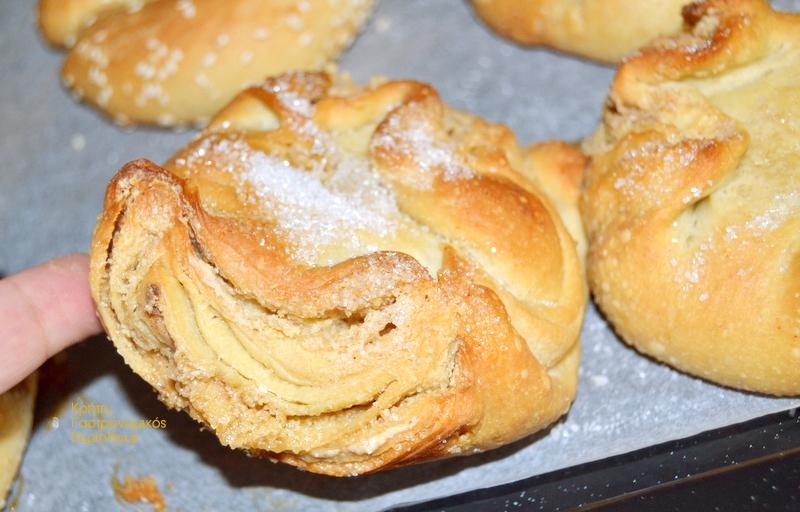 Ζαχαρόψωμα εκλεκτά, υπέροχα γλυκά ψωμάκια! (VIDEO)