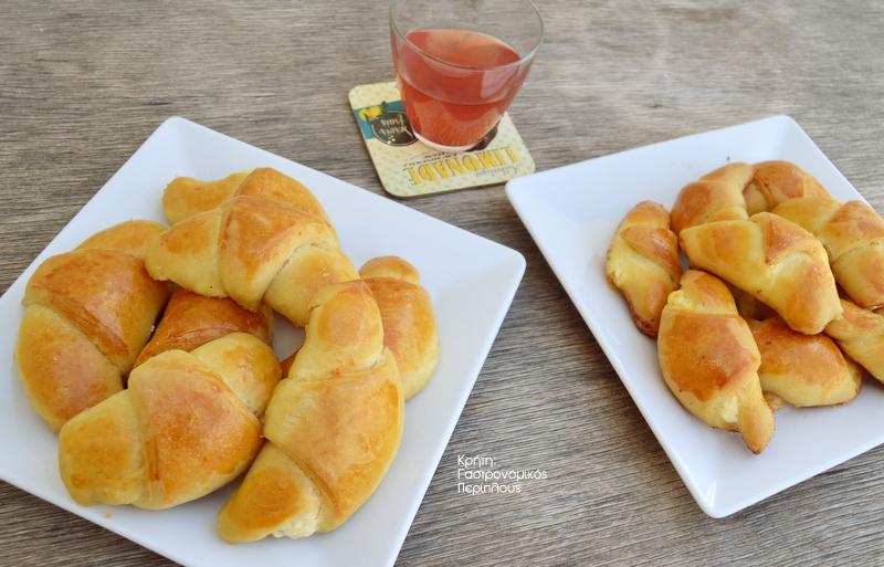 Τυροπιτάκια με φέτα, τα «κρουασάν» τηςθείας Στασίας!