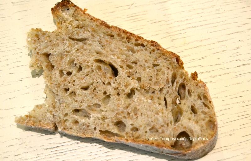 Ψωμί με ζύμωμα ή χωρίς ζύμωμα και με ελάχιστη μαγιά