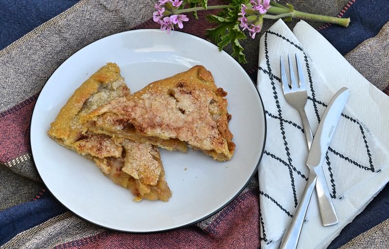 Κολοκυθόπιτα ή μηλόπιτα με «βραστή» ζύμη