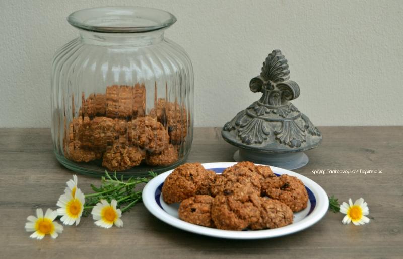 Μπισκότα με νιφάδες βρώμης και αλεύρι ολικής