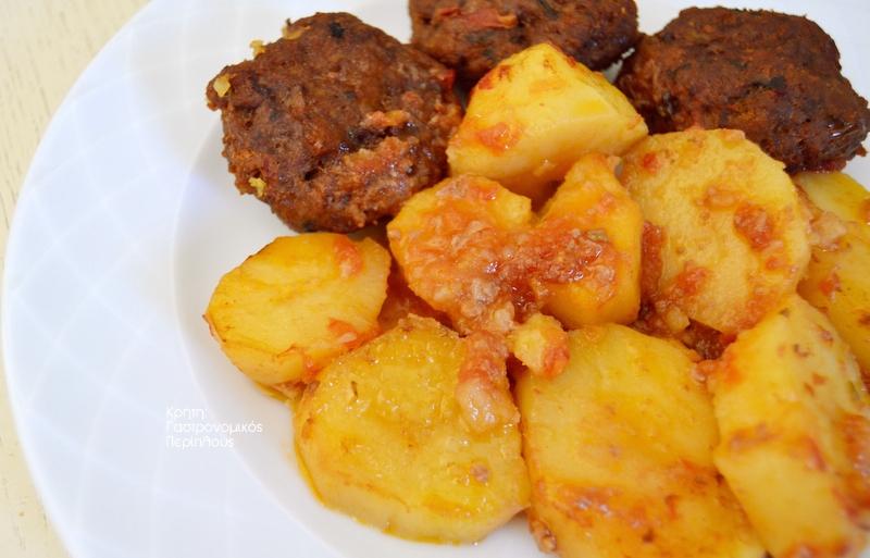 Κεφτέδες με πατάτες στον φούρνο